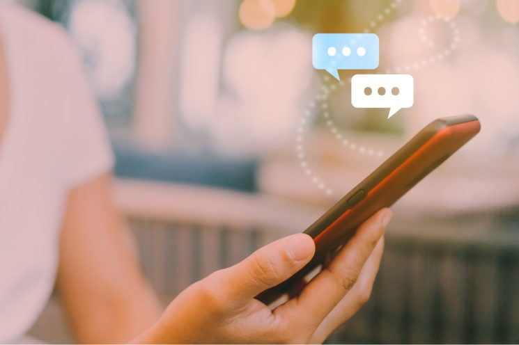 What Apartment Communities Should Know About Live Chat